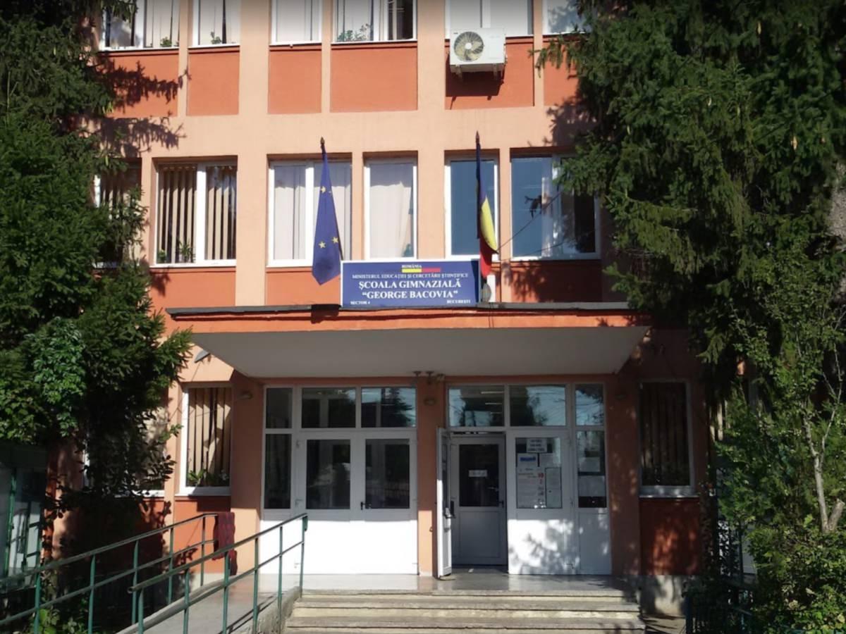 Scoala Gimnaziala George Bacovia - daui.ro