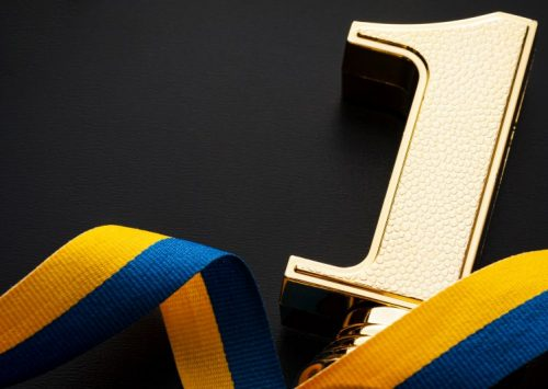 """ELEVII DIN SECTORUL 4, CEI MAI BUNI DIN ȚARĂ LA BACALAUREAT!  Primarul Daniel Băluță inițiază un program de recompensare a performanței, denumit """"Burse pentru campioni"""""""