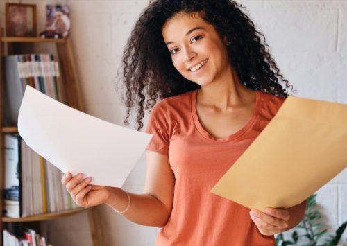 Bursele școlare se achită lunar în toate unitățile de învățământ din Sectorul 4